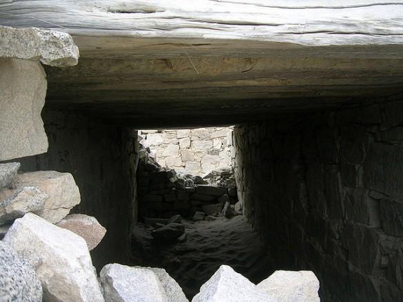 """""""Habitaciones"""" en muro de Chankillo"""