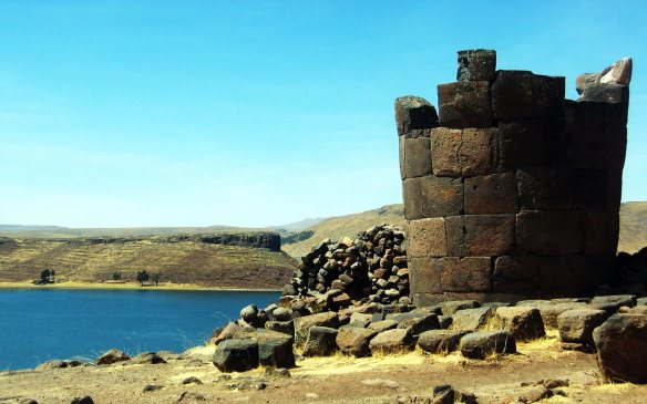Chullpa - Sillustani (Puno-Perú)