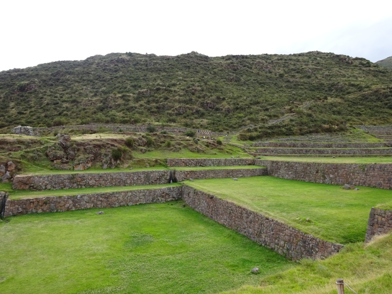 Sistema de andenes en Tipón – Cusco (Leer más)