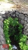 .....con puntos de ingreso cada cierto tramo, que podemos llamar drenes colectores, que alimentaban la carga del dren principal....