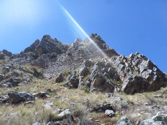 Muro de contención identificado en zona de acantilados. Vista O-E