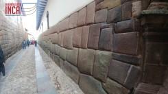 Muro inca en palacio de Inca Roca...