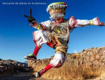 Danzante de tijeras con su muestra de rebeldía